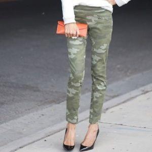 Super Skinny Ankle Zip Camo Pants